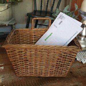 Adorable Wicker Basket With Handle